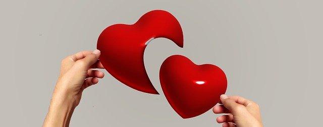 mains coeurs séparés